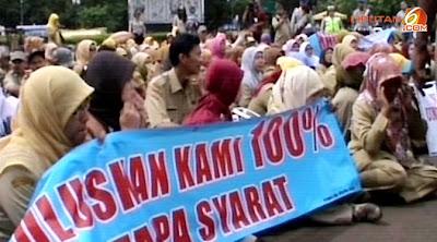 Guru PLPG Demo di depan istana negara (26/12/2012)