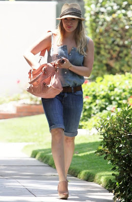 Hilary Duff in Stylish Casual Look