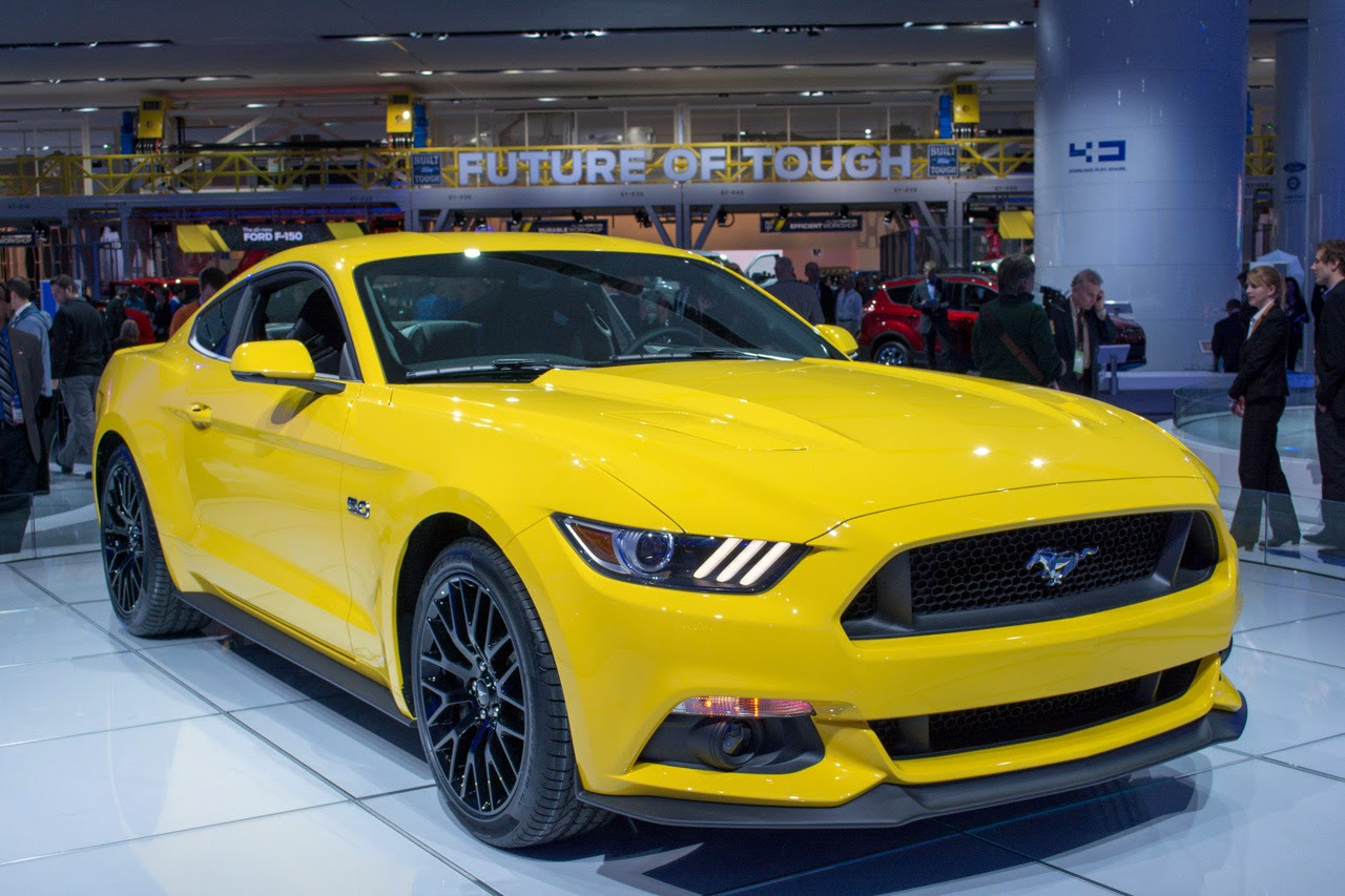 automotiveblogz 2015 ford mustang gt detroit 2014 photos. Black Bedroom Furniture Sets. Home Design Ideas