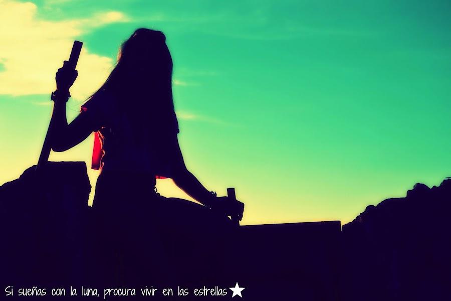Si sueñas con la luna, procura vivir en las estrellas