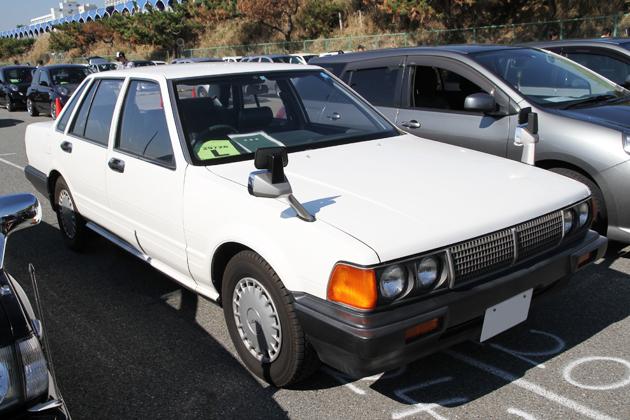 fender mirror, wing, lusterka na błotnikach, mocowane przy błotniku, japoński samochód, motoryzacja z Japonii, JDM, ciekawostki, oryginalne, フェンダーミラー, 日本車, nauka jazdy, elka, instruktor, egzamin na prawo jazdy w Japonii, Nissan Cedric Y31
