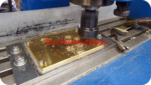 Production d'un mécanisme d'horloge, les platines et le rouage Platine10