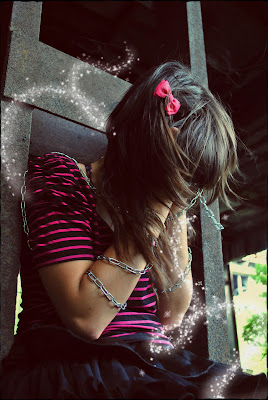 Sad emo girl wallpaper
