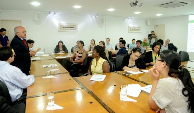 Vice-governador, José Melo, ministra palestra sobre economia amazonense a estudantes da Universidade de Stanford, dos EUA