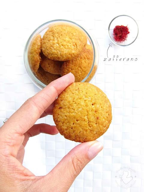 saffron lemon cookies - biscotti allo zafferano e limone