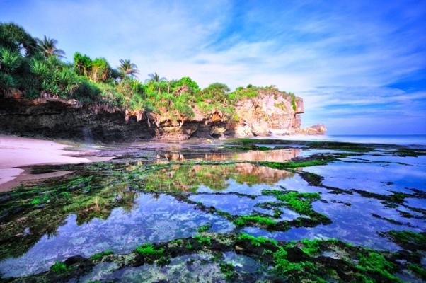 Wisata Pantai di Jogja Yogyakarta - Pantai Ngobaran Gunung Kidul