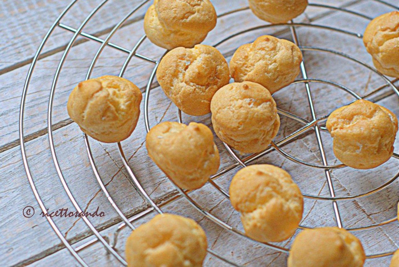 Pasta choux o base per bignè ricetta di base per dolci e salati