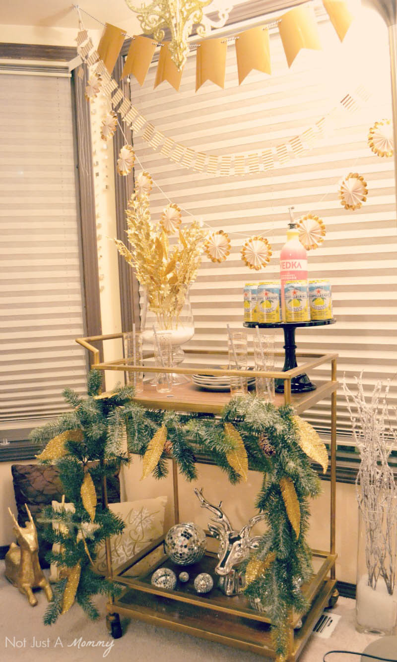5 Easy New Year's Eve Party Tips; simple garlands make a space fun