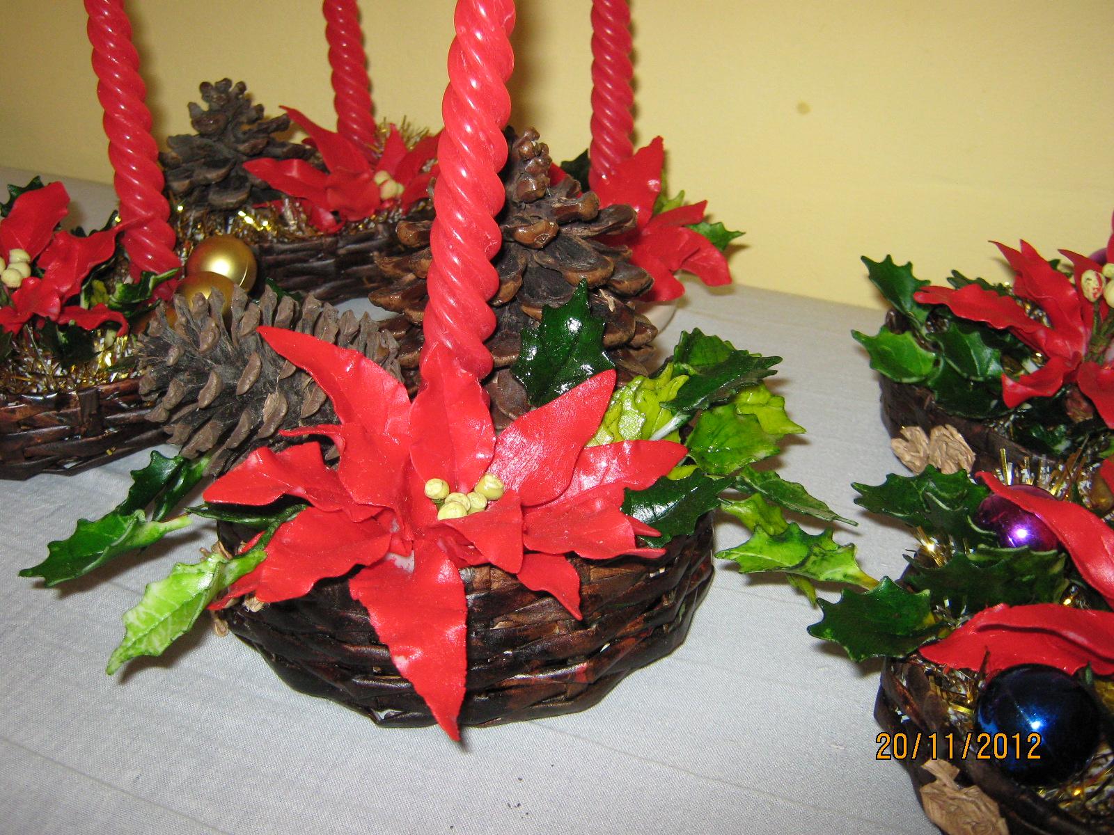 Atesan as muy creat vas en porcelana fr a centros de mesa - Adornar mesa de navidad ...