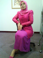 Mature Malaysian Woman Hot Pose