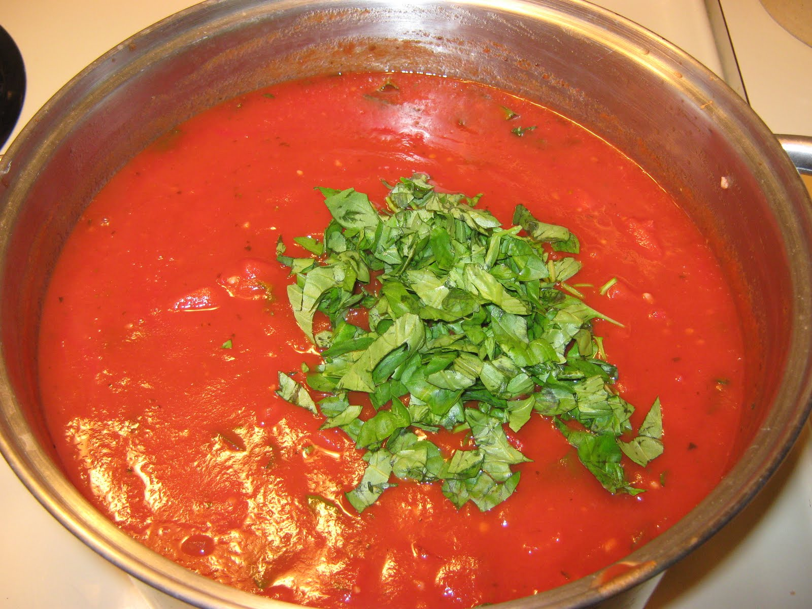 Fake-It Frugal: Homemade Tomato Basil Spaghetti Sauce ...