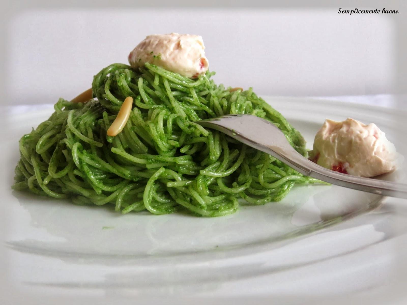 spaghettini al pesto di spinaci