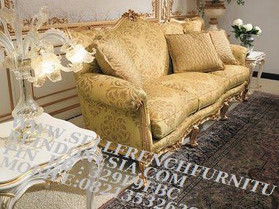 sofa jati jepara furniture mebel ukir jati jepara jual sofa tamu set ukir sofa tamu klasik set sofa tamu jati jepara sofa tamu antik sofa jepara mebel jati ukiran jepara SFTM-55135 jual mebel klasik sofa klasik jepara sofa tamu klasik cat goldleaf