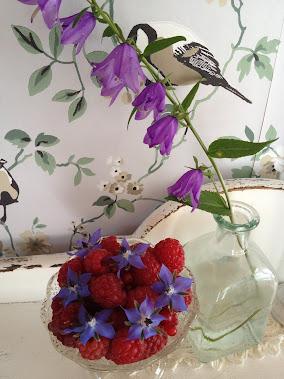 Hagens bær og blomster