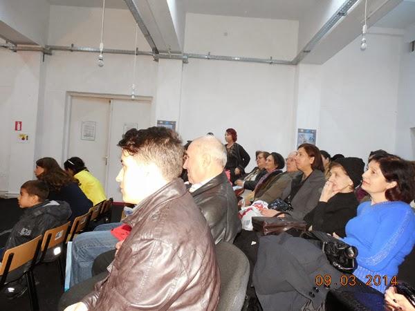 comunitatea prezenta la teatru comunitar