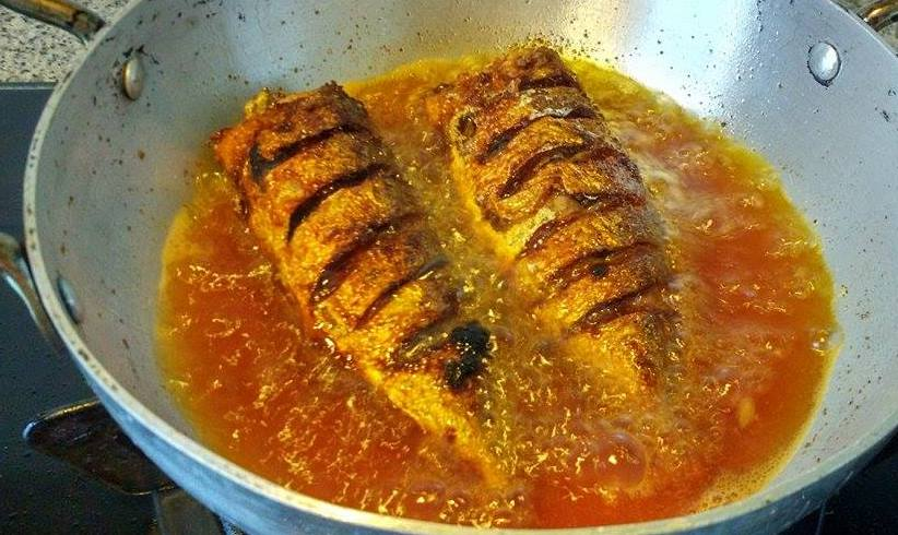 Niya 39 s world fish fry deep fry method for What is the best oil for frying fish