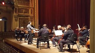 CULTURA - As manhãs de domingo têm música clássica e aprendizado com a Orquestra de Câmara do Amazonas