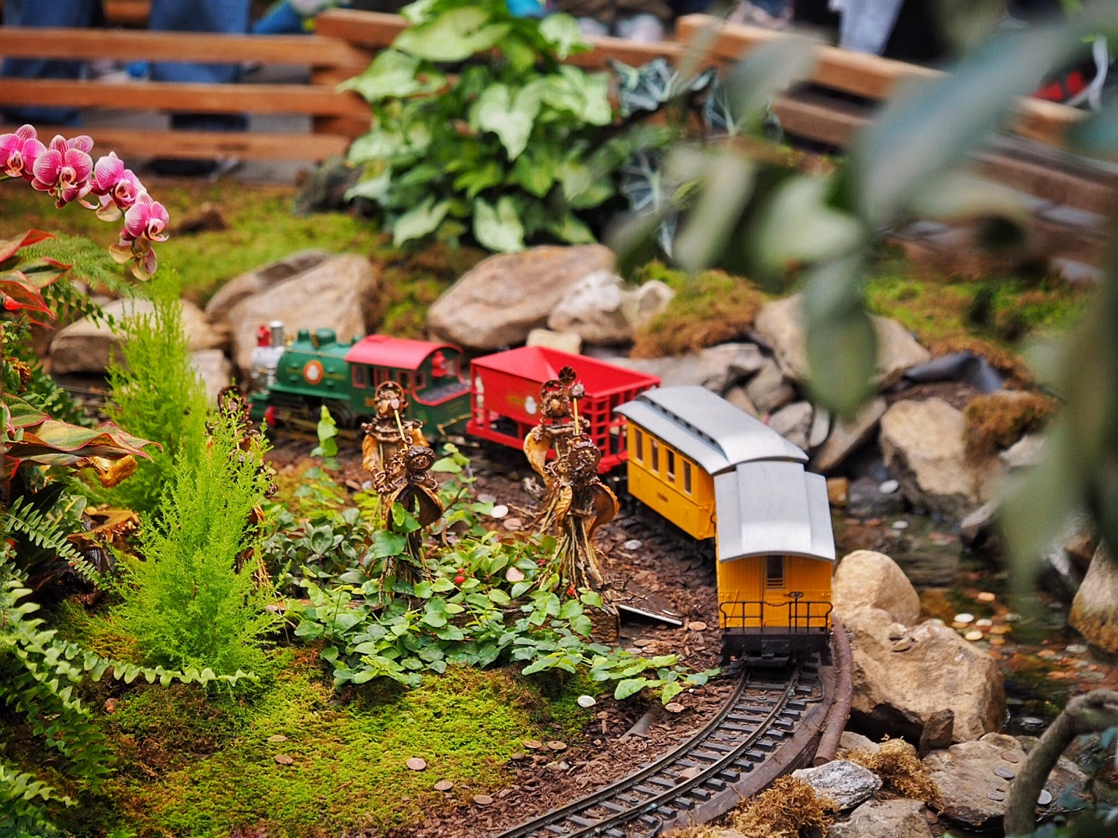 ... The Magnificent Train Show And New York City In Miniature Is Landscape  Architect Paul Busse, Who Was First Approached In 1992 By The Botanical  Garden To ...