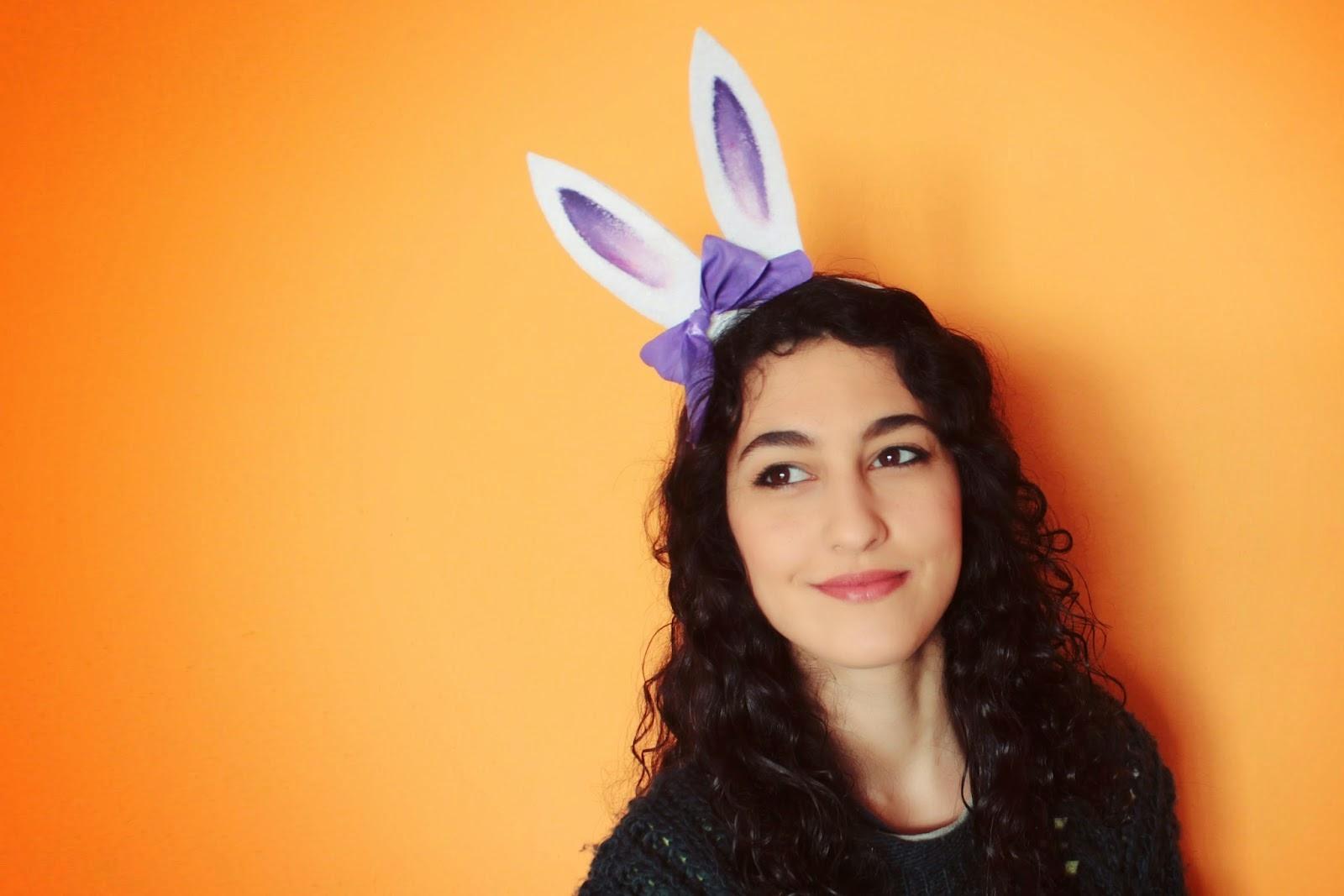 http://curlymade.blogspot.pt/2014/03/diy-bunny-headband.html