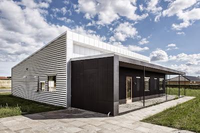 Casa Na Dinamarca reduz emissão de carbono com material reciclado e upcycled