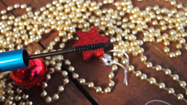 Bleeding mascara meaning – Your modern make-up baby