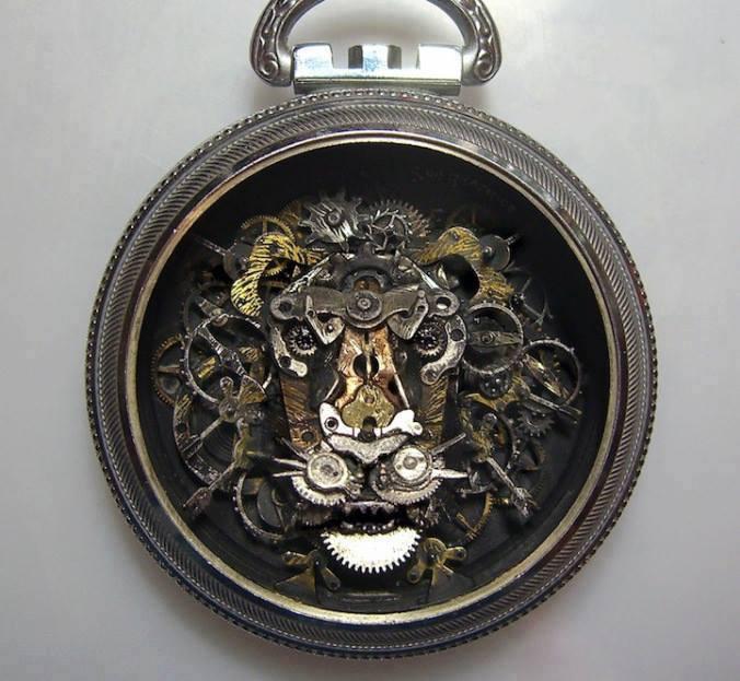 Jam Tangan Kuno Bentuk Singa