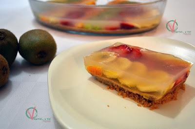 Tarta de frutas con gelatina de agar-agar.