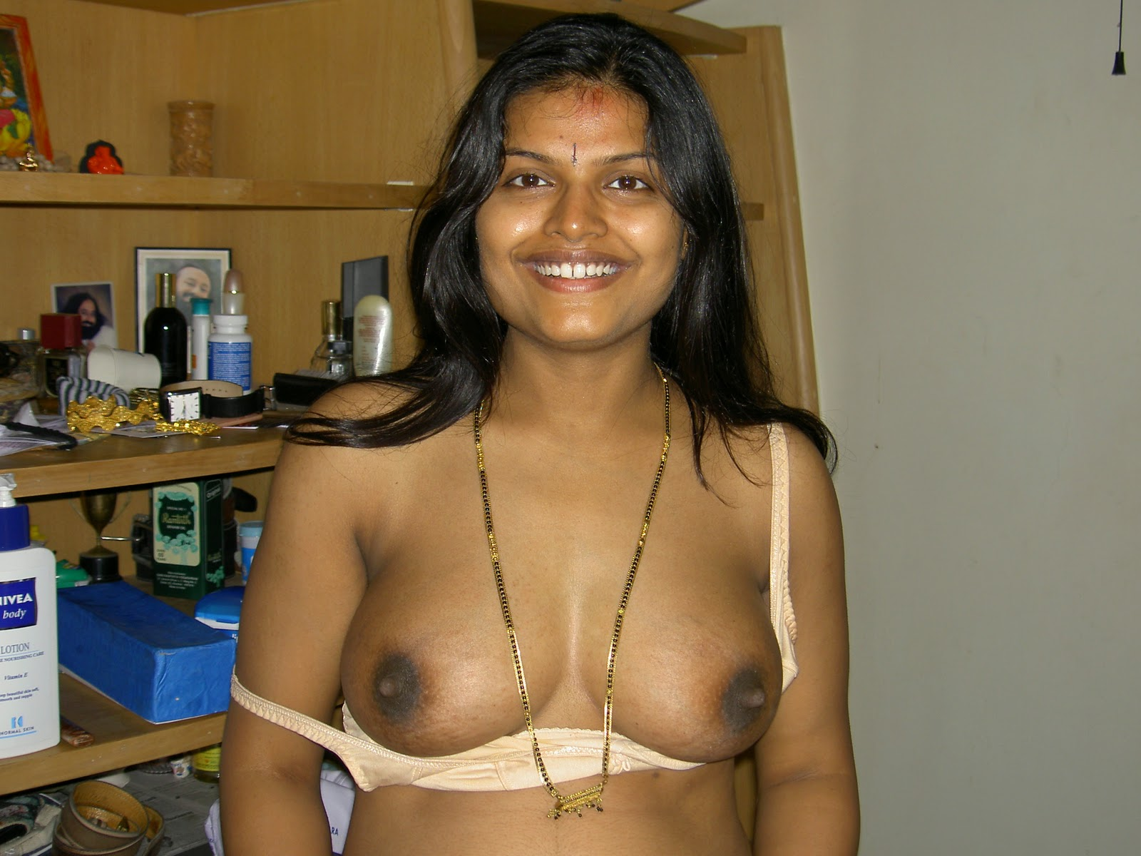 Indian Pussies: Sexy arpita aunty - 4