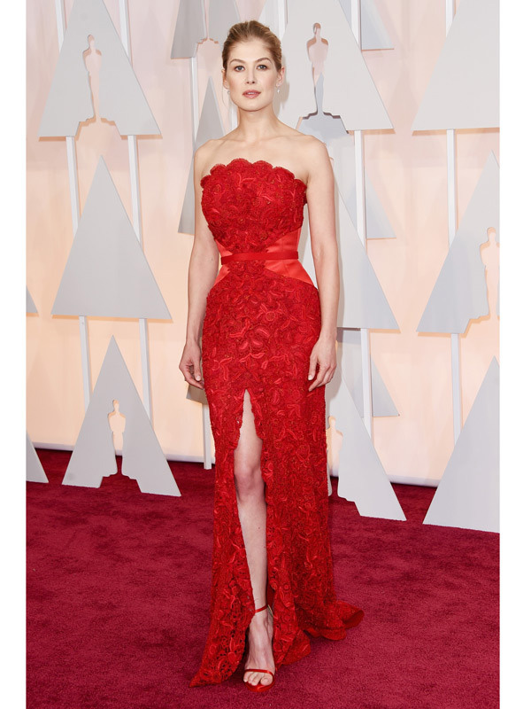Rosamund Pike was the High Heeled Brunette's favorite pick for best dressed at the Oscar's 2015 Red Carpet