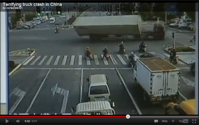 videos de camiones trailer volcando china contenedores