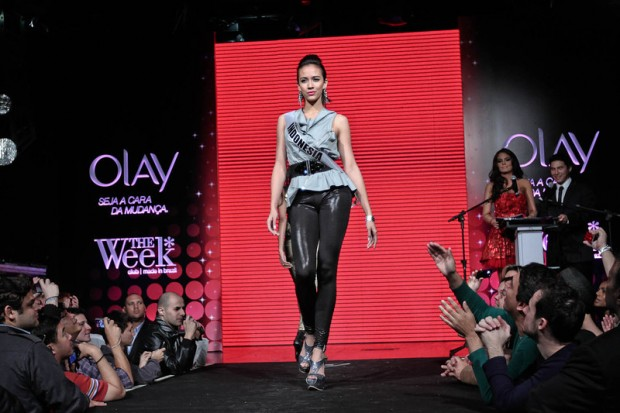 Photos of Miss Universe 2011 - Fashion Show at Gay Nightclub-21