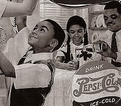 Propaganda da Pepsi nos anos 40 com abertura ao mercado para negros.
