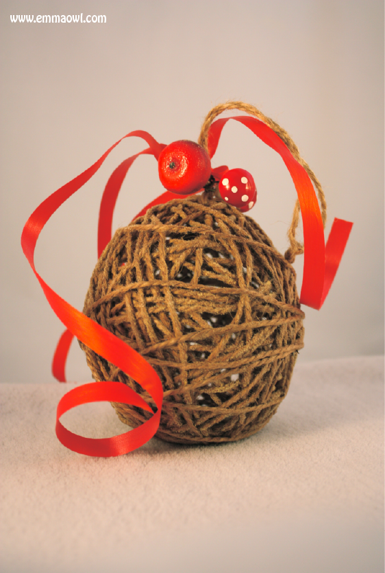 http://www.emmaowl.com/blog/poppers-the-perfect-christmas-decoration/