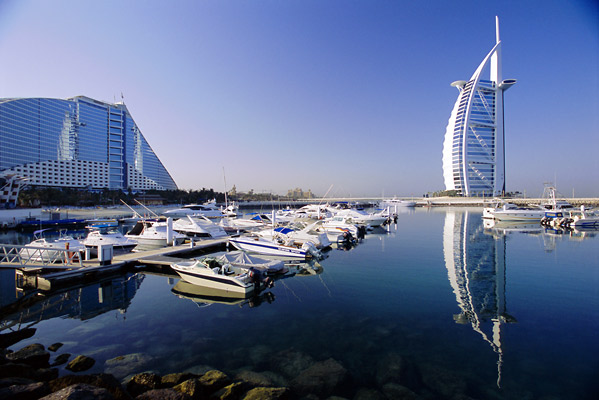 http://4.bp.blogspot.com/-QHtTi0P2DCM/TcpR7RXMw0I/AAAAAAAAAMo/3P1e4MKZ0To/s1600/united-arab-emirates-22.jpg