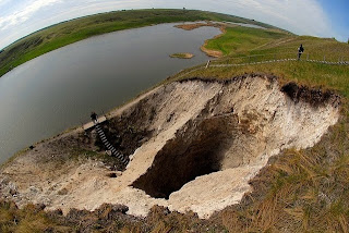 """صورة لأكبر كهف في روسيا """"تحت الماء"""""""