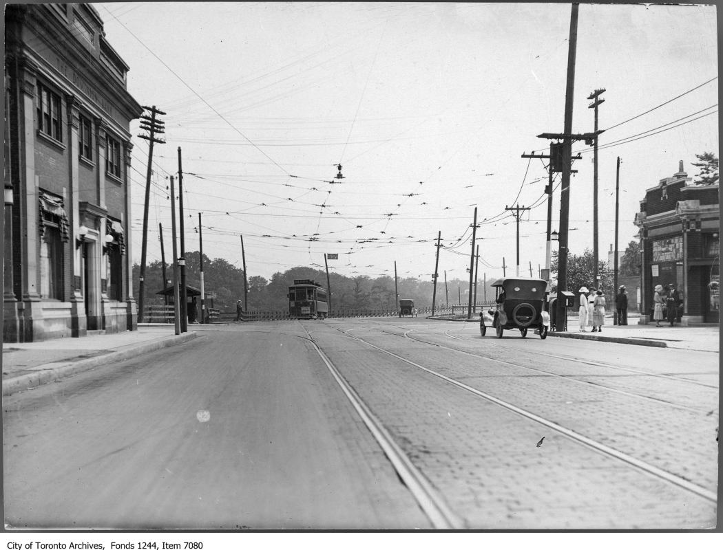 Bloor and Sherbourne looking east in 1920