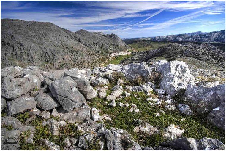 Vista de la Manga de Villaluenga del Rosario desde el yacimiento