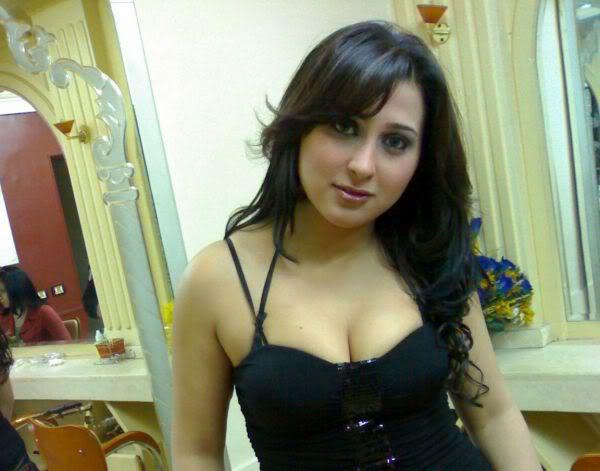 Sexy arab pics 7