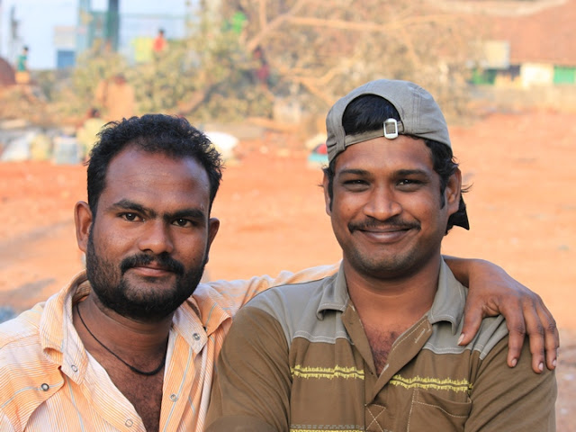 два друга индуса
