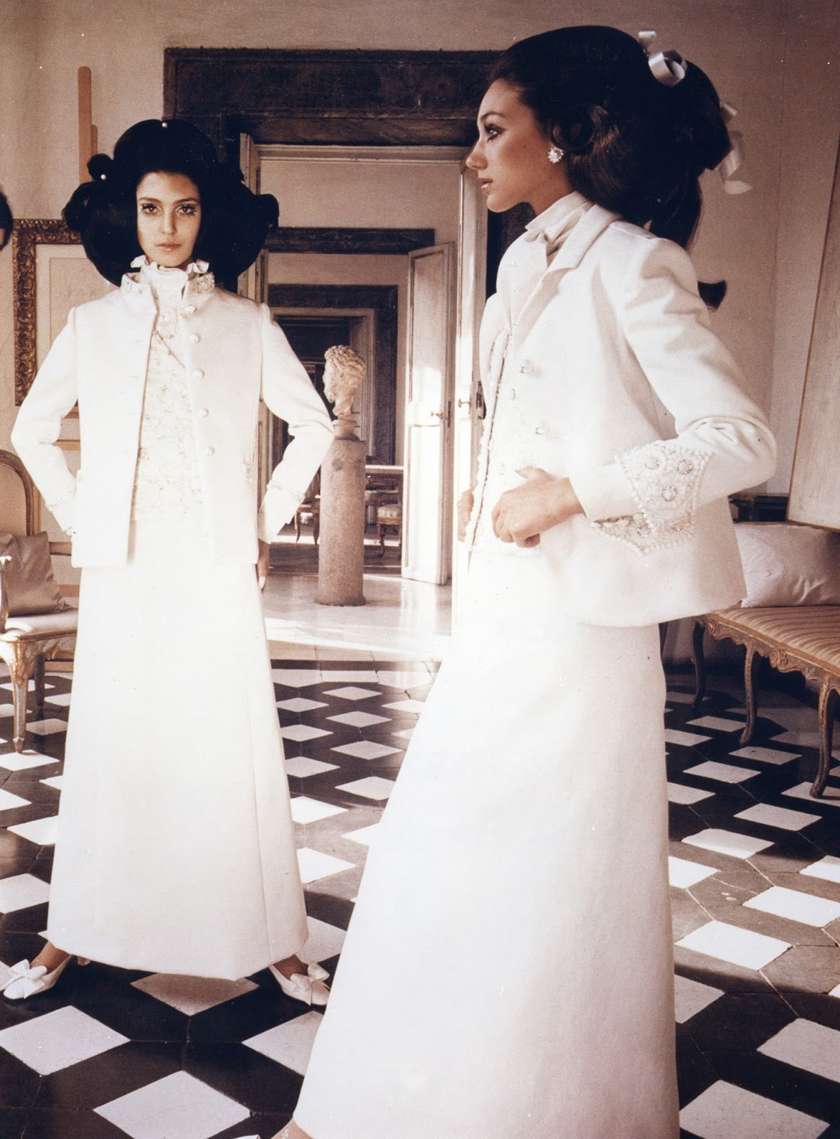 via fashioned by love | Valentino Sala Bianca