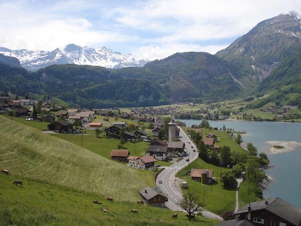 Trem GoldenPass Lucerna - Interlaken (Suíça)