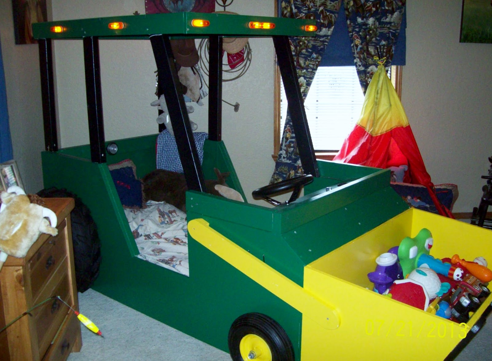 Lil' Debi As Mama: Wordless Wednesday (Linky) - Tractor Bed