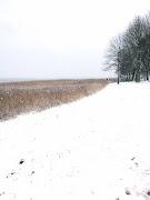 Winter! Wat heerlijk is het buiten! Heerlijk op de Slee met mijn dochter (img )