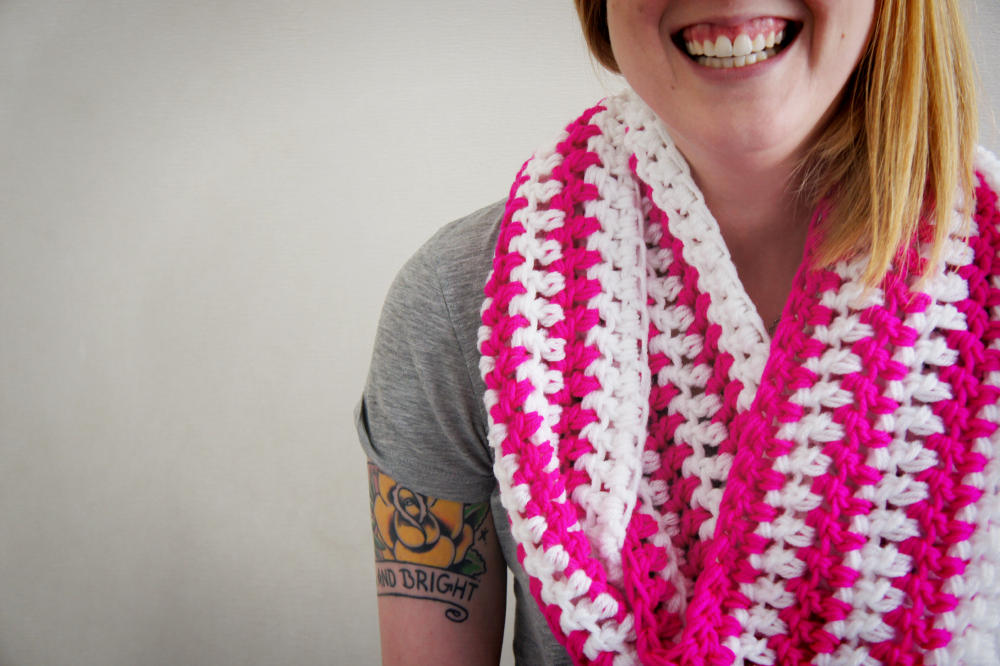 Crocheting Ends Of Infinity Scarf Together : Pattern - Sandwich