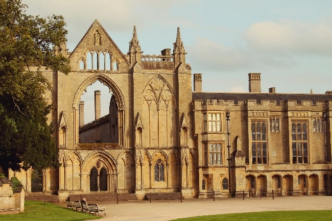 newstead abbey via lovebirds vintage