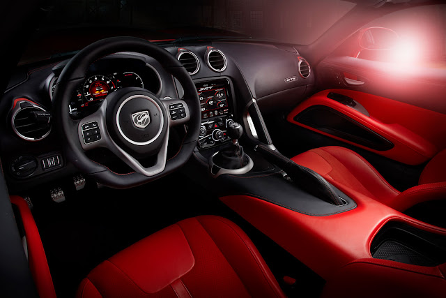 2013 SRT Dodge Viper interior