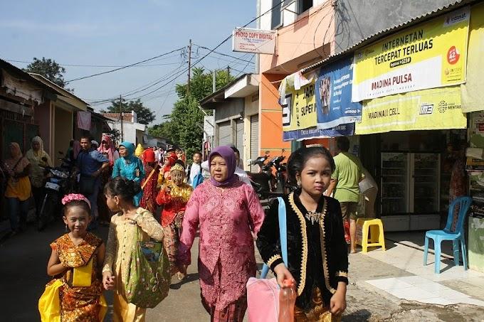 Semarak Hari Kartini, Ribuan Siswa Pawai Baju Adat