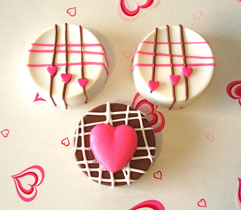 Chocolate Covered Valentine Oreos Lindsay Ann Bakes