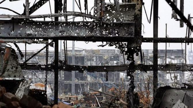 В  Донецком аэропорту не прекращаются ожесточенные бои