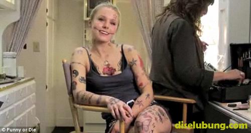 Wanita ini Punya 214 Tato di Tubuhnya